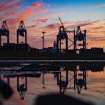 Sonnenuntergang am Containerterminal in Bremerhaven